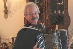 """FORLI'. ABITAZIONE DI ALTERO """"AL"""" PEDULLI, MUSICISTA E ARRANGIATORE DELL'ORCHESTRA CASADEI. HA SUONATO SIA CON SECONDO CHE CON RAOUL CASADEI. FISARMONICA. FOTOGRAFIE REALIZZATE NELL'AMBITO DELLA CAMPAGNA FOTOGRAFICA LISCIO@MUSEUM 2008, MUSEO DELLA MUSICA E DEL BALLO TRADIZIONALI ROMAGNOLI. FOLK"""