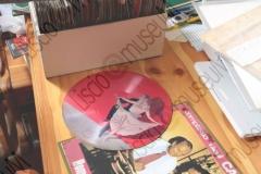 FAENZA, RAVENNA. ABITAZIONE DI FRANCESCO LEGA, COLLEZIONISTA DI DISCHI, MUSICASSETTE, LP, CD CHE RIGUARDANO MUSICISTI ROMAGNOLI. 45 GIRI CON SECONDO E RAOUL CASADEI. FOTOGRAFIE REALIZZATE NELL'AMBITO DELLA CAMPAGNA FOTOGRAFICA LISCIO@MUSEUM 2008, MUSEO DELLA MUSICA E DEL BALLO TRADIZIONALI ROMAGNOLI. FOLK