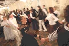 Bellaria Igea-Marina (Rimini). Locanda della Dune. Il Veglione di Sant'Apollonia. Gran ballo di Carnevale in abiti liberamente ispirati al periodo 1900-1950 organizzato dal gruppo musicale folk e di danze etniche e popolari L'Uva Grisa (L'uva acerba). Maschera di Carnevale. Festa. Ballo staccato. Fotografie realizzate nell'ambito della campagna Liscio@museum 2010, Museo della Musica e del Ballo tradizionali romagnoli. Folk.