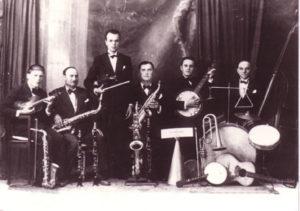 Orchestra Secondo Casadei nella prima formazione ufficiale, 1928